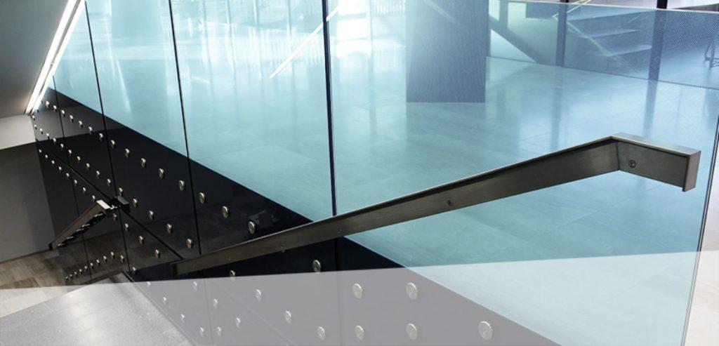 Steel meets Glass - Treppengeländer