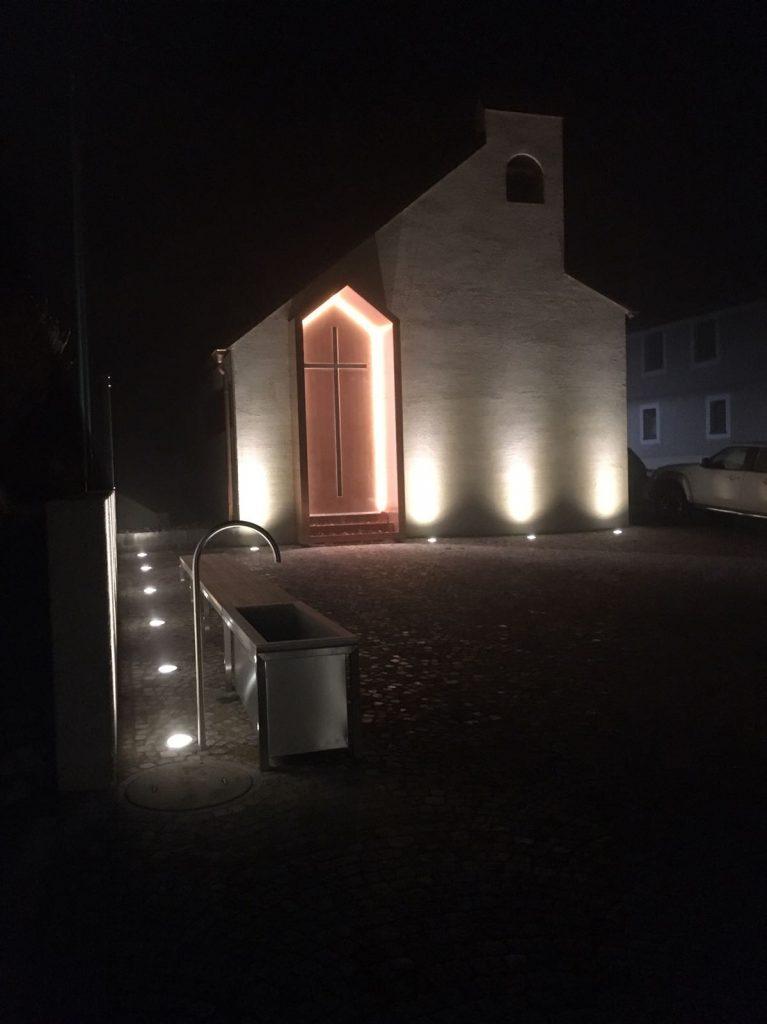 Kapelle Brand-Laa bei Nacht