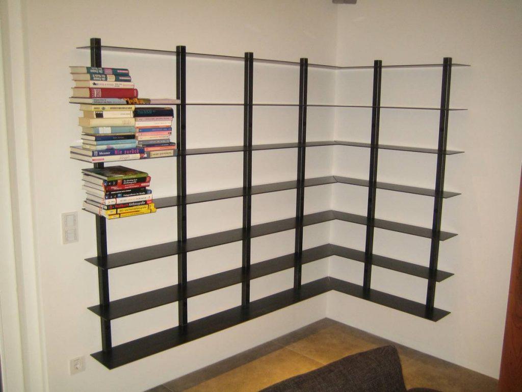 hängendes Bücherregal